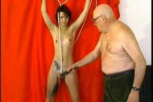 Séance BDSM à la française très extrême!
