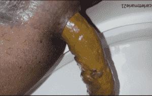 Magnifique black pooping – superbe femme noire qui chie