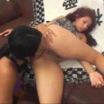 2 farting girls lesbienne qui léchent l'anus en pétant dans la bouche