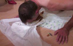 Séance uro et scato avec une infirmière vicieuse