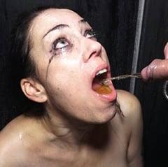 Adeline LAFOUINE French bukkake piss et sperme crade